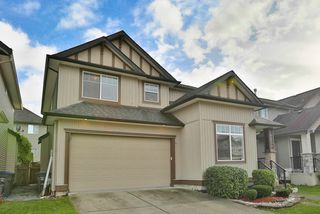 Photo 2: 6232 167B Street in Surrey: Cloverdale BC House for sale (Cloverdale)  : MLS®# R2015922