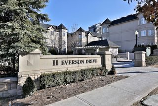 Photo 2: 303 11 Everson Drive in Toronto: House for sale : MLS®# C3109022