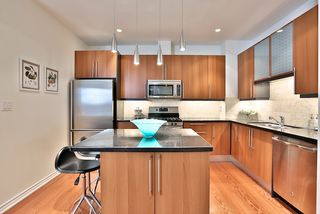 Photo 6: 303 11 Everson Drive in Toronto: House for sale : MLS®# C3109022