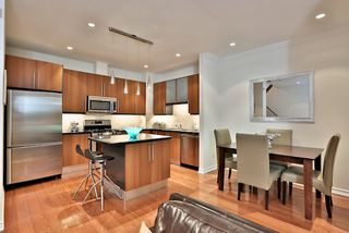 Photo 5: 303 11 Everson Drive in Toronto: House for sale : MLS®# C3109022