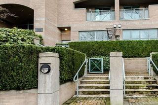 Photo 1: 3 1182 QUEBEC Street in Vancouver: Mount Pleasant VE Townhouse for sale (Vancouver East)  : MLS®# R2040618