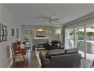 Photo 8: 1619 Nelles Place in VICTORIA: SE Gordon Head Single Family Detached for sale (Saanich East)  : MLS®# 366811
