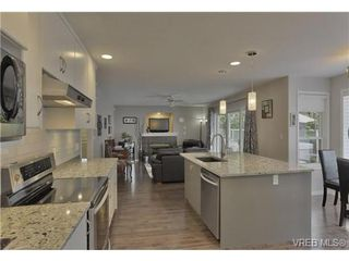 Photo 5: 1619 Nelles Pl in VICTORIA: SE Gordon Head Single Family Detached for sale (Saanich East)  : MLS®# 735223