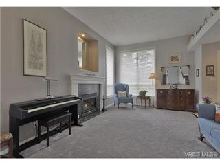 Photo 10: 1619 Nelles Pl in VICTORIA: SE Gordon Head Single Family Detached for sale (Saanich East)  : MLS®# 735223
