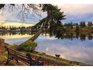 Photo 3: 101 Kingham Pl in VICTORIA: VR View Royal House for sale (View Royal)  : MLS®# 751854