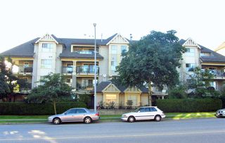 Photo 2: 311 215 TWELFTH Street in New Westminster: Uptown NW Condo for sale : MLS®# R2181916