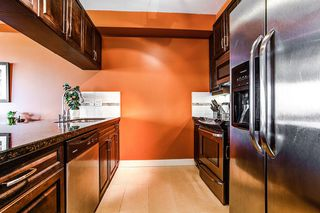 "Photo 6: 302 11935 BURNETT Street in Maple Ridge: East Central Condo for sale in ""KENSINGTON PLACE"" : MLS®# R2186960"