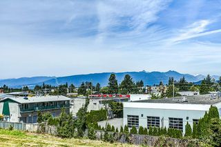 "Photo 15: 302 11935 BURNETT Street in Maple Ridge: East Central Condo for sale in ""KENSINGTON PLACE"" : MLS®# R2186960"