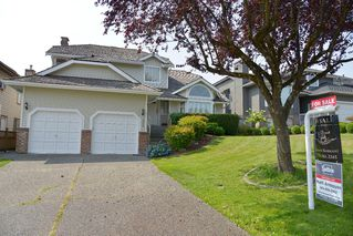 Photo 2: 2344 KENSINGTON CRESCENT: House for sale : MLS®# V1136861