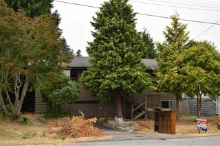Main Photo: 5810 PEBBLES Crescent in Sechelt: Sechelt District House for sale (Sunshine Coast)  : MLS®# R2194810