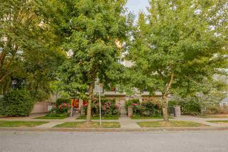 "Photo 2: 3 1135 BARCLAY Street in Vancouver: West End VW Townhouse for sale in ""Barclay Estates"" (Vancouver West)  : MLS®# R2204375"