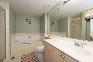 Photo 10: 204 1150 LYNN VALLEY Road in North Vancouver: Lynn Valley Condo for sale : MLS®# R2207989