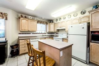 Photo 2: 204 1150 LYNN VALLEY Road in North Vancouver: Lynn Valley Condo for sale : MLS®# R2207989