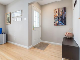 Photo 4: 2611 CANMORE RD NW in Calgary: Banff Trail House for sale : MLS®# C4146643