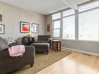 Photo 5: 2611 CANMORE RD NW in Calgary: Banff Trail House for sale : MLS®# C4146643