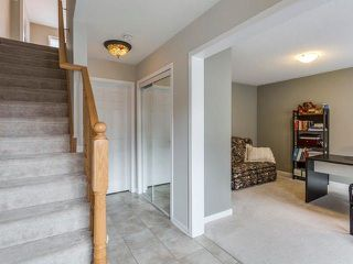 Photo 2: 33 Ganton Heights in Brampton: Northwest Brampton House (3-Storey) for sale : MLS®# W4048644