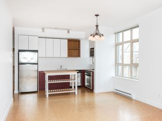 "Photo 7: 303 2828 MAIN Street in Vancouver: Mount Pleasant VE Condo for sale in ""Domain"" (Vancouver East)  : MLS®# R2246083"