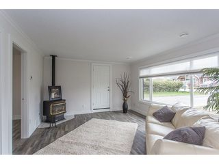 Photo 7: 46270 VELMA Avenue in Sardis: Sardis East Vedder Rd House for sale : MLS®# R2253356