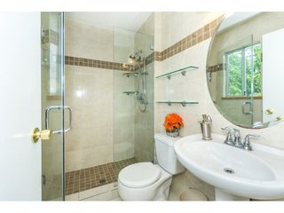 """Photo 10: 9212 209A Crescent in Langley: Walnut Grove House for sale in """"Walnut Grove"""" : MLS®# R2271718"""