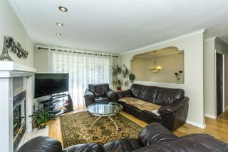 """Photo 3: 9212 209A Crescent in Langley: Walnut Grove House for sale in """"Walnut Grove"""" : MLS®# R2271718"""