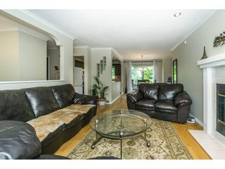 """Photo 4: 9212 209A Crescent in Langley: Walnut Grove House for sale in """"Walnut Grove"""" : MLS®# R2271718"""