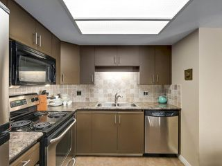 "Photo 11: 606 69 JAMIESON Court in New Westminster: Fraserview NW Condo for sale in ""PALACE QUAY"" : MLS®# R2274346"