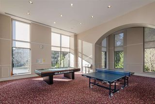 Photo 17: 705 6823 STATION HILL Drive in Burnaby: South Slope Condo for sale (Burnaby South)  : MLS®# R2326962