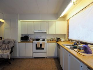 Photo 6: 4331 S CARIBOO (97) Highway: Lac la Hache Manufactured Home for sale (100 Mile House (Zone 10))  : MLS®# R2327477