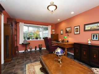 Photo 17: 7984 Lochside Drive in SAANICHTON: CS Turgoose Single Family Detached for sale (Central Saanich)  : MLS®# 404958