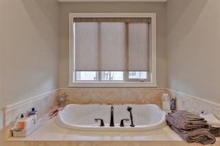 Photo 16: 1645 HECTOR Road in Edmonton: Zone 14 House for sale : MLS®# E4153167