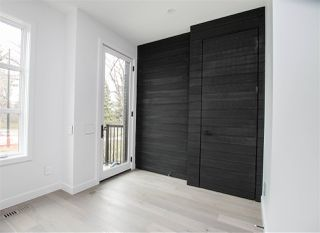 Photo 2: 10617 131 Street in Edmonton: Zone 07 House for sale : MLS®# E4155989