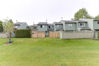 """Photo 3: 3 9994 149 Street in Surrey: Guildford Townhouse for sale in """"TALL TIMBERS"""" (North Surrey)  : MLS®# R2369624"""