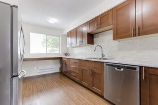 """Photo 6: 3 9994 149 Street in Surrey: Guildford Townhouse for sale in """"TALL TIMBERS"""" (North Surrey)  : MLS®# R2369624"""