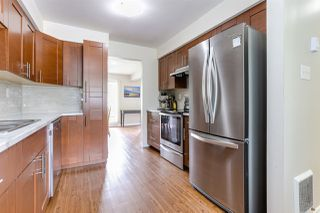 """Photo 7: 3 9994 149 Street in Surrey: Guildford Townhouse for sale in """"TALL TIMBERS"""" (North Surrey)  : MLS®# R2369624"""