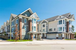 Photo 1: 13 20723 FRASER Highway in Langley: Langley City Townhouse for sale : MLS®# R2377643