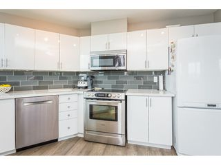 "Photo 8: 1002 33065 MILL LAKE Road in Abbotsford: Central Abbotsford Condo for sale in ""Summit Point"" : MLS®# R2386532"