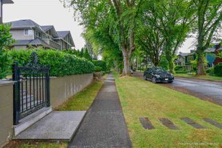 Photo 2: 4118 W 13TH Avenue in Vancouver: Point Grey House for sale (Vancouver West)  : MLS®# R2386951
