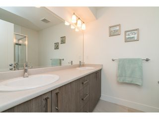 """Photo 13: 9 34230 ELMWOOD Drive in Abbotsford: Central Abbotsford Townhouse for sale in """"Ten Oaks"""" : MLS®# R2386873"""