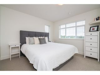 """Photo 12: 9 34230 ELMWOOD Drive in Abbotsford: Central Abbotsford Townhouse for sale in """"Ten Oaks"""" : MLS®# R2386873"""
