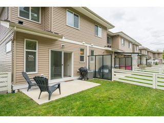 "Photo 2: 9 34230 ELMWOOD Drive in Abbotsford: Central Abbotsford Townhouse for sale in ""Ten Oaks"" : MLS®# R2386873"