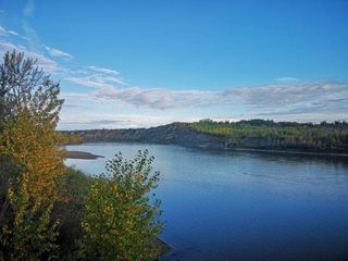 Photo 3: 611 ROMANIUK Road in Edmonton: Zone 14 House for sale : MLS®# E4176330