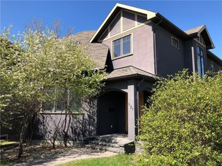 Photo 2: 151 34A Street NW in Calgary: Parkdale Detached for sale : MLS®# C4297304
