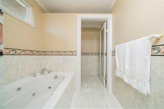 Photo 25: 1417 GORDON Avenue in West Vancouver: Ambleside House for sale : MLS®# R2469903