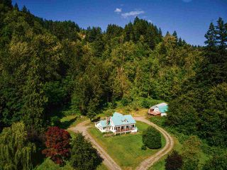 Photo 2: 46751 CHILLIWACK LAKE Road in Chilliwack: Chilliwack River Valley House for sale (Sardis)  : MLS®# R2476789
