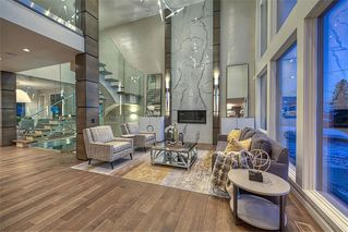 Photo 3: 122 13 Street NE in Calgary: Bridgeland/Riverside Detached for sale : MLS®# A1020453