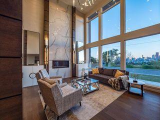 Photo 8: 122 13 Street NE in Calgary: Bridgeland/Riverside Detached for sale : MLS®# A1020453