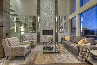 Photo 4: 122 13 Street NE in Calgary: Bridgeland/Riverside Detached for sale : MLS®# A1020453