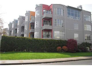 Photo 1: 204 2216 W 3RD Avenue in Vancouver: Kitsilano Condo for sale (Vancouver West)  : MLS®# V825816