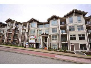 Photo 1: # 212 - 245 Ross Drive in New Westminster: Fraserview NW Condo for sale : MLS®# V989809