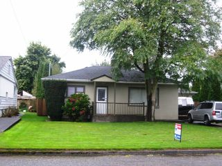 Photo 1: 9495 WOODBINE Street in Chilliwack: Chilliwack E Young-Yale House for sale : MLS®# H1404109